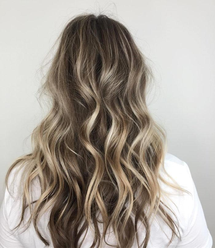 70 Attractive Long Wavy Hairstyles for Women in 2019