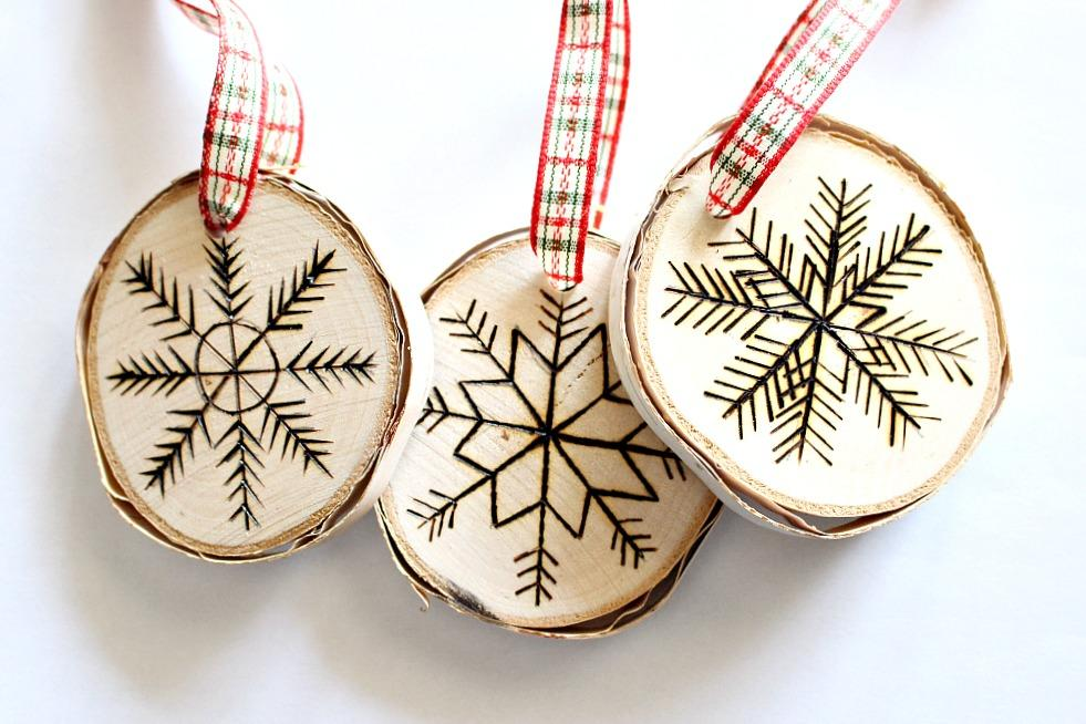 32 Creative DIY Natural Christmas Decorations