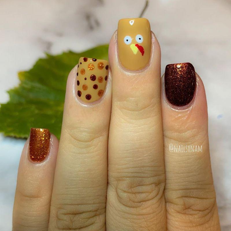 45 Stylish Thanksgiving Turkey Nails to Celebrate the Holiday