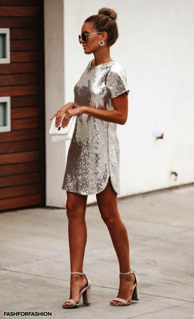 30 Stylish New Year's Eve Outfit for Women You'll Definitely Wear in 2020
