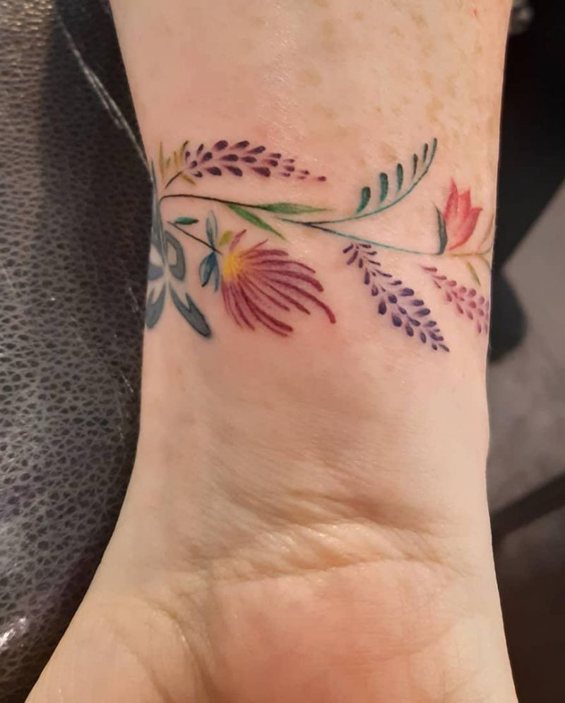 55 Pretty Wrist Tattoos You Will Love