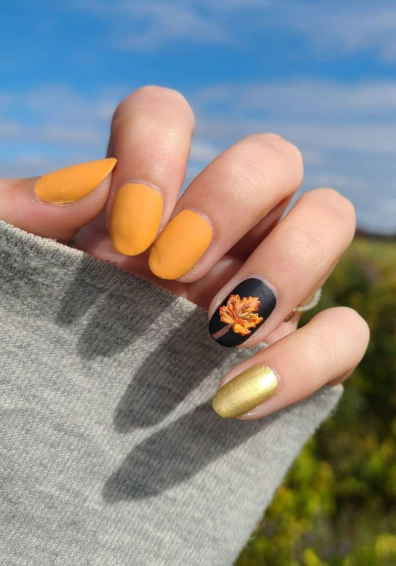 30 Trendy Thanksgiving Nail Art Designs You Should Try