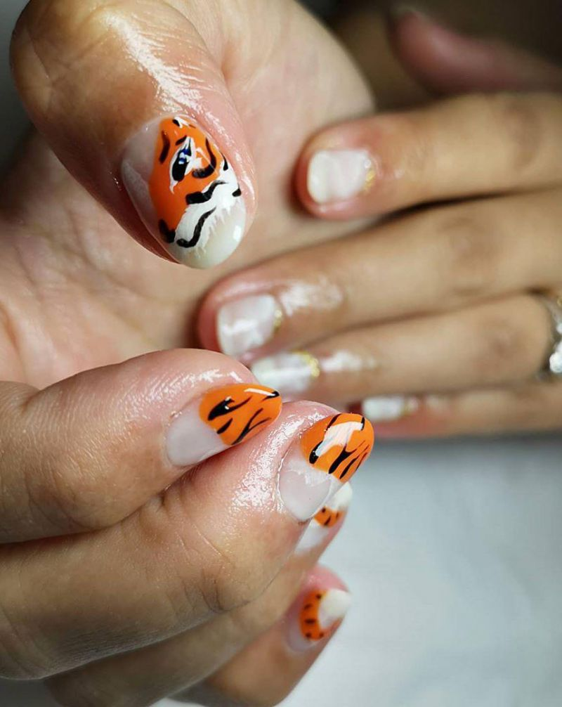 30 Pretty Tiger Print Nail Art Designs You Should Try