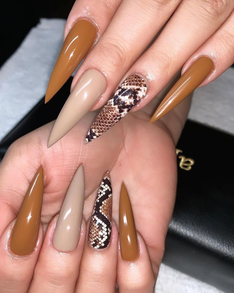 30 Trendy Snake Nails to Express Your Personality