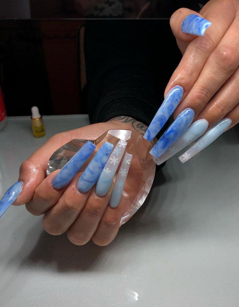 30 Trendy Blue Marble Nails to Try Right Now