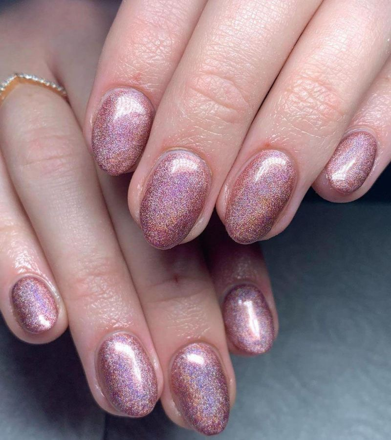 30 Trendy Holographic Nails You Will Love