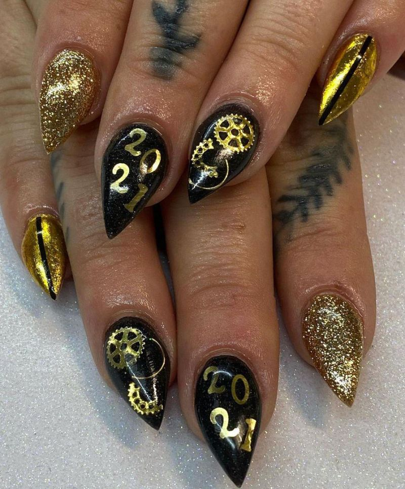 30 Trendy New Years Nails 2021 Just For You
