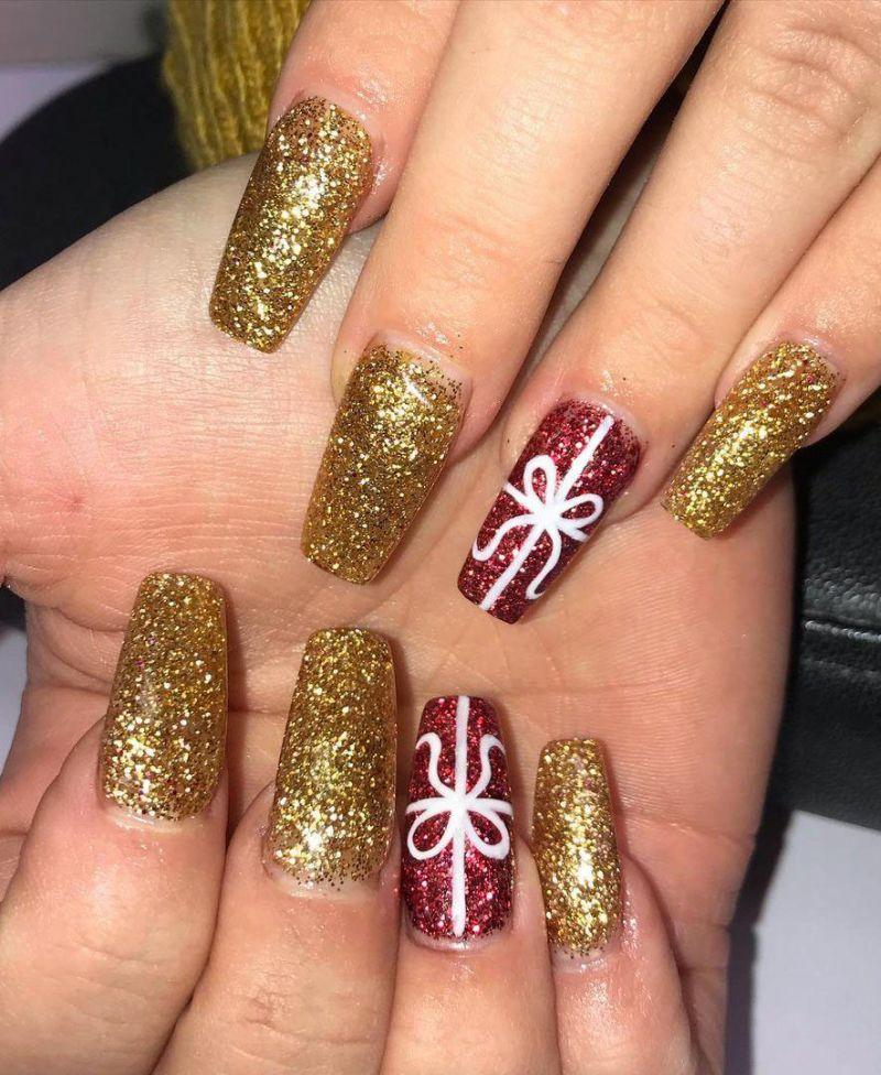 30 Elegant Gold Glitter Nails You Will Love