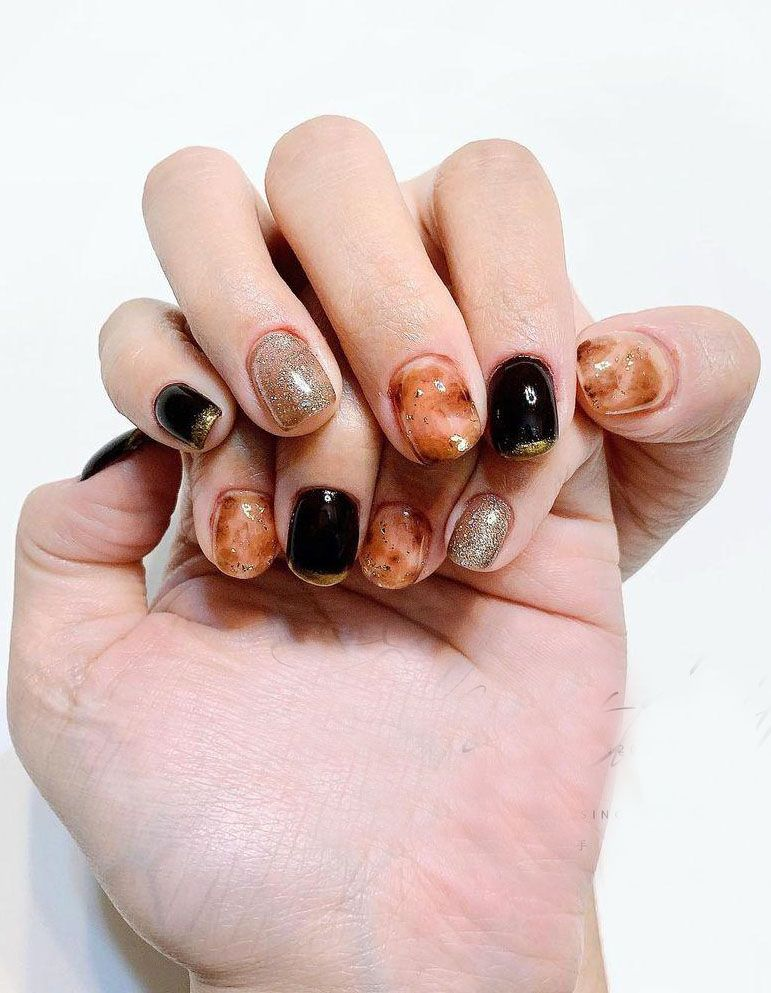 30 Trendy Amber Nails Make You Attractive