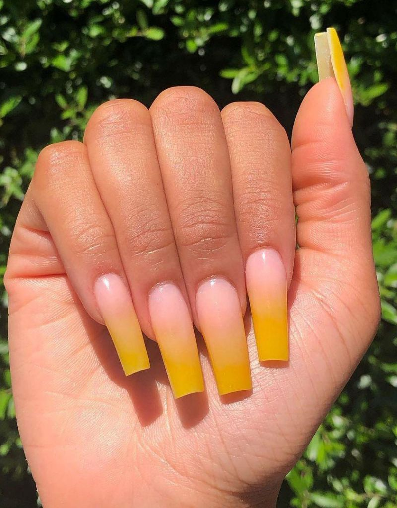 30 Elegant Yellow Ombre Nails to Try Right Now