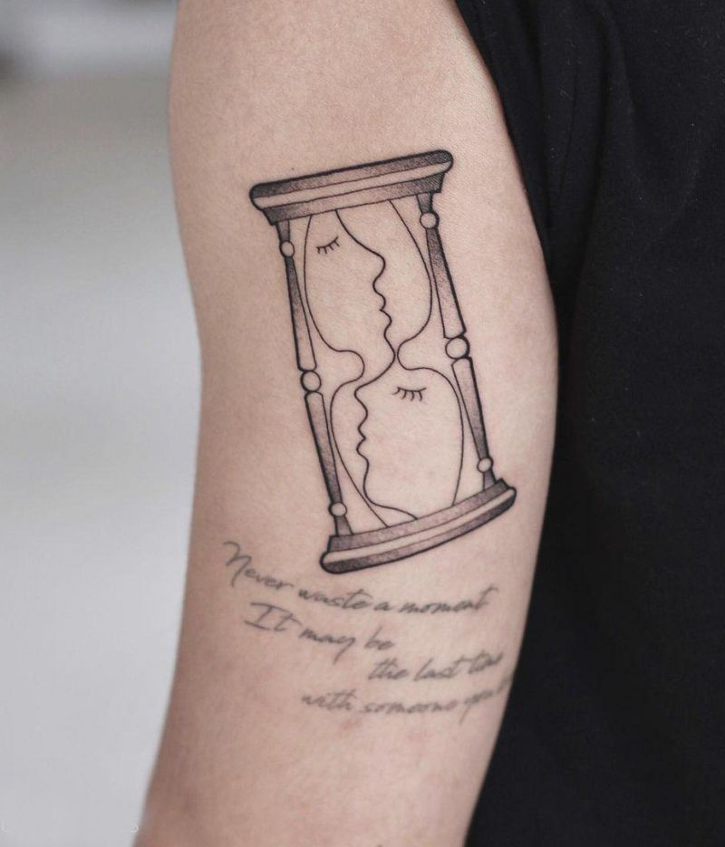 30 Pretty Hourglass Tattoos to Inspire You
