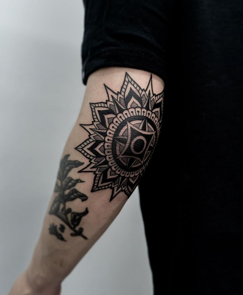 30 Elegant Elbow Tattoos You Must See